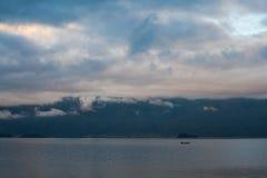 Пейзаж озера Lugu Стоковая Фотография RF