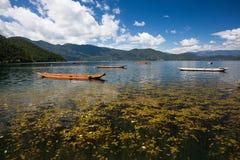 Пейзаж озера Lugu Стоковая Фотография
