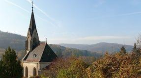 пейзаж осени с часовней кладбища Стоковое фото RF