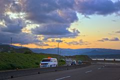 Пейзаж побережья на заходе солнца стоковое фото rf