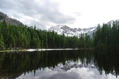 Пейзаж пруда Smreczynski весной tatra гор западное политик Стоковое Изображение