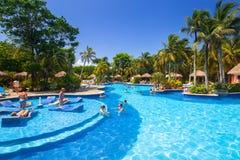 Пейзаж роскошного бассейна на текила RIU Стоковое Изображение