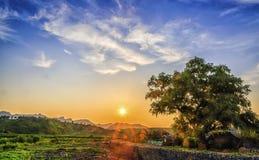 Пейзаж северного Китая под заходящим солнцем Стоковые Фотографии RF