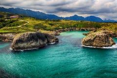 пейзаж с берегом океана в Астурии, Испании Стоковая Фотография RF