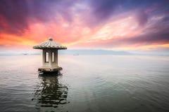 Пейзаж Ханчжоу в заходе солнца Стоковая Фотография RF