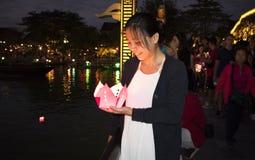 ПЕЙЗАЖ DA NANG - Hoi фестиваль фонарика цветка стоковые фотографии rf