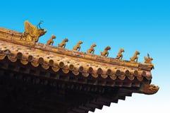 Пекин высекая перемещение крыши фарфора запрещенное городом Стоковые Изображения