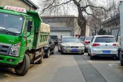 ПЕКИН, КИТАЙ - 12-ОЕ МАРТА 2016: Старое hutong Пекина со своим Стоковая Фотография