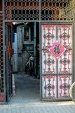 ПЕКИН, КИТАЙ - 10-ОЕ МАРТА 2016: Старое hutong Пекина со своим Стоковое Фото