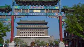 Пекин, Китай: 29-ое октября 2018: Торговый центр главной улицы Quinmen Запретный город в центре Пекин Hyperlapse  акции видеоматериалы