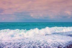 Пена волны моря на пляже Стоковая Фотография
