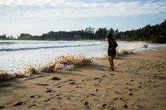 Пена волны берега пляжа Стоковое Изображение