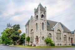 Первая баптистская церковь в улицах Кингстона - Канады стоковые изображения rf