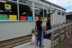 Первая сирийская скамья беженцев в Новой Зеландии стоковое фото