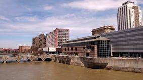 Первое федеральное здание площади и здание акведука сток-видео