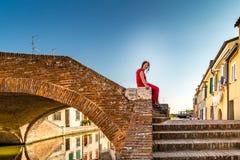 Первоклассная женщина в маленькой Венеции Стоковые Изображения