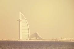 Первоклассное изображение сняло АРАБА AL BURJ, Дубай, ОАЭ 28-ого июня 2017 Стоковые Изображения