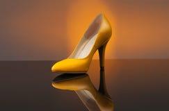 Первоклассные желтые ботинки Стоковое Изображение RF