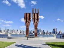 Первоначально мемориал столба 911 лучей всемирного торгового центра в Нью-Джерси стоковое изображение rf