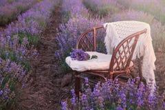 Первоначально украшение свадьбы в цветках лаванды Стоковые Изображения