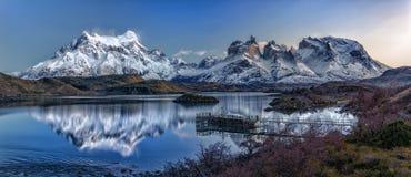 Первые света на Torres del Paine Стоковое Изображение RF