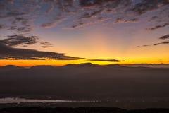 Первый восход солнца на скале Chana Dai Стоковые Фотографии RF