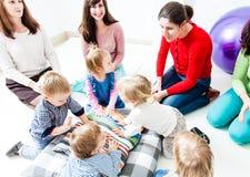 Первый день детей в детском саде стоковое фото rf