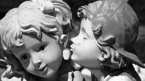первый поцелуй Стоковые Изображения