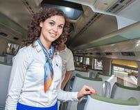 Первый раз pendolino Wroclaw Польши показанный к общественному stewardess приглашая Стоковая Фотография RF