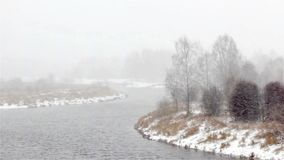 первый снежок блицкрига зима речной воды ландшафта льда свободного полета акции видеоматериалы