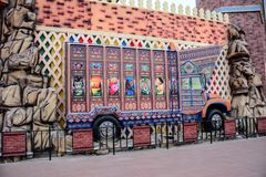 Перевезите город на грузовиках Пакистана искусства в глобальной деревне Дубай ОАЭ стоковая фотография rf