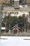 Перевод: ` Святыни Uchino Oimatsu ` в Iizuka, Фукуоке, Японии, во время снега Стоковые Изображения RF