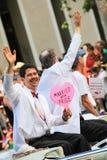 Переворот гей-парада Сан-Франциско известным пожененный гомосексуалистом Стоковое Фото