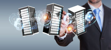 Перевод центра данных 3D комнаты серверов бизнесмена соединяясь Стоковые Фото
