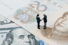 Переговоры торговой войны тарифа США и Китая финансовые говорят, collab Стоковая Фотография RF