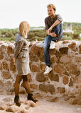 Переговор между молодыми парами стоковое фото rf