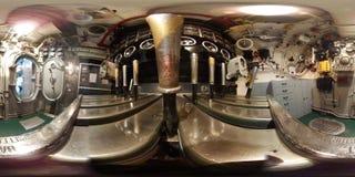 ПЕРЕДВИЖНОЙ - 12-ОЕ МАЯ: Военный корабль BB-60 USS Алабамы, взгляд 360 VR внутри комнаты машинного оборудования двигателя на борт Стоковая Фотография RF