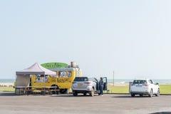 Передвижной ресторан на пляже в Swakopmund Стоковые Фотографии RF