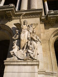 передняя более garnier статуя paris равенства оперы Стоковое Изображение