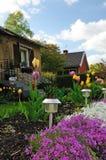передняя дом сада стоковое изображение