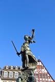 передняя статуя повелительницы правосудия Стоковое фото RF