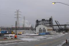 Перекидные мосты Кливленда в зиме стоковые фото