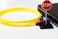 Переключите с неправильным кабелем и остановите знак Стоковая Фотография