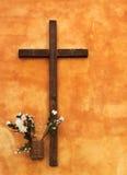 перекрестная померанцовая вероисповедная стена Стоковое фото RF