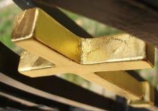 перекрестное золотистое Стоковые Фотографии RF