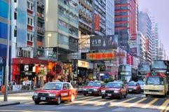 перекрестное уличное движение Hong Kong Стоковая Фотография