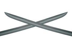2 перекрестных лезвия сабли изолированного на белизне Стоковые Фотографии RF