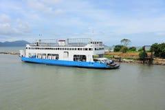 перемещать обслуживания острова парома chang Стоковые Фото