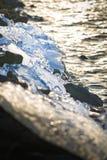 Перемещаясь лед причиненный сильными ветерами на озере после тяжелого заморозка p Стоковые Фото