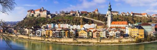 Перемещение в Германии, красивом средневековом городке Burghausen стоковое изображение rf
